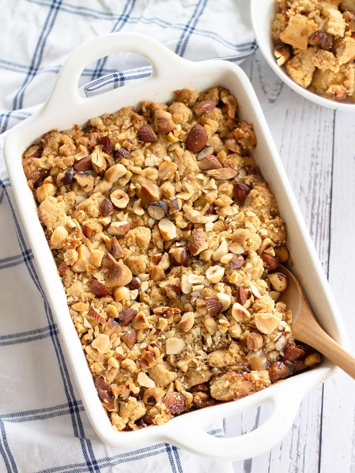 baked spiced apple crumble