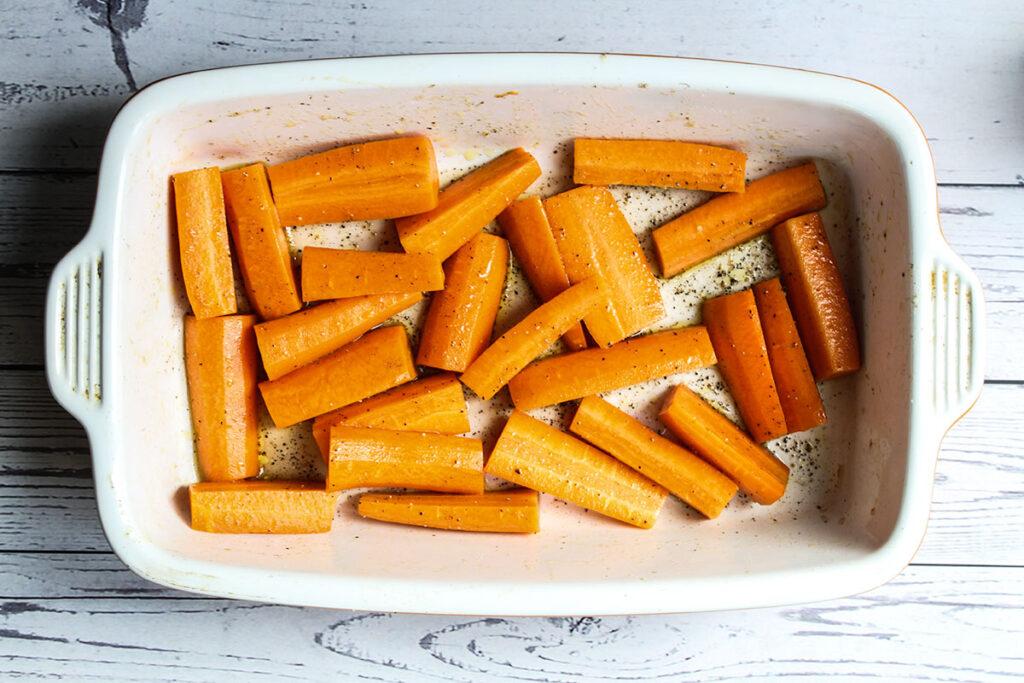 carrots in roasting dish
