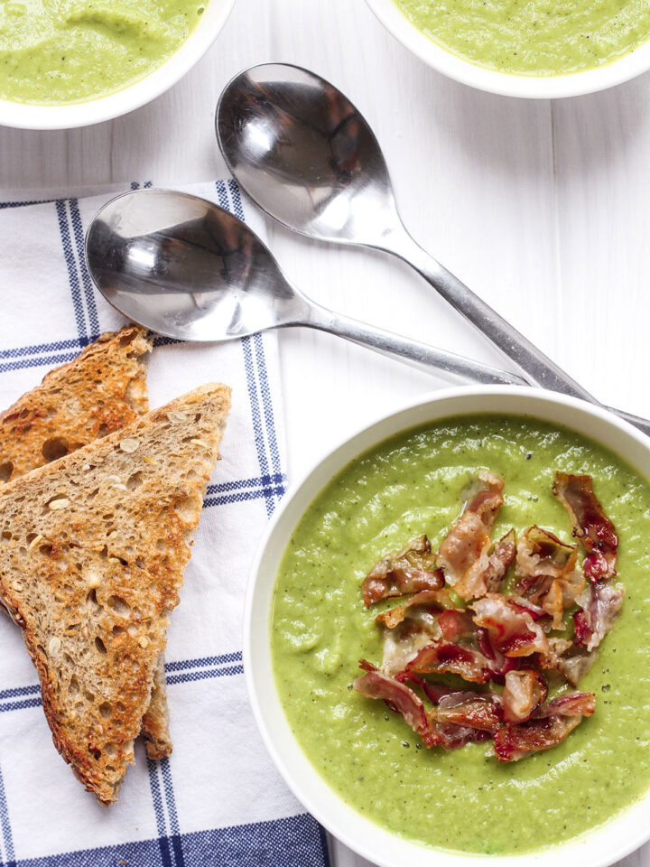 Easy & Healthy Broccoli and Pea Soup